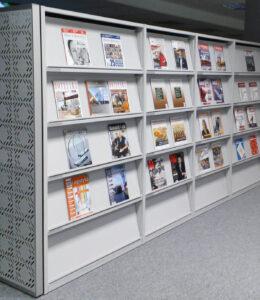 Regały na prasę i czasopisma