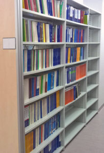 Regał biblioteczny stacjonarny