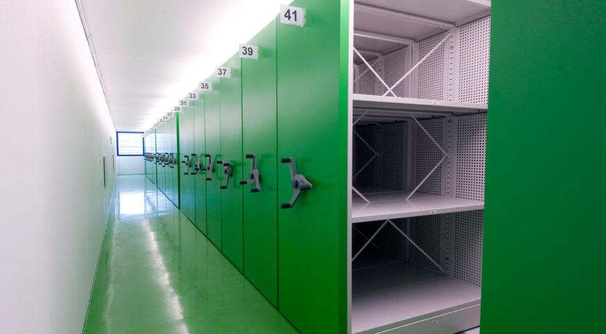 Regał przesuwny z korbą panel metalowy zielony
